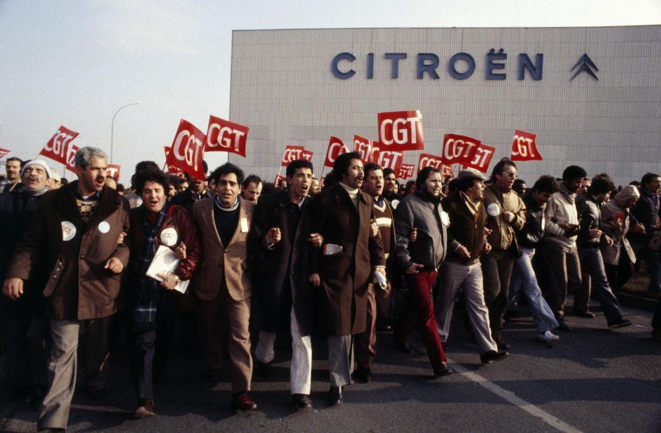 979887-citroen-factory-strike-in-aulnay-sous-bois
