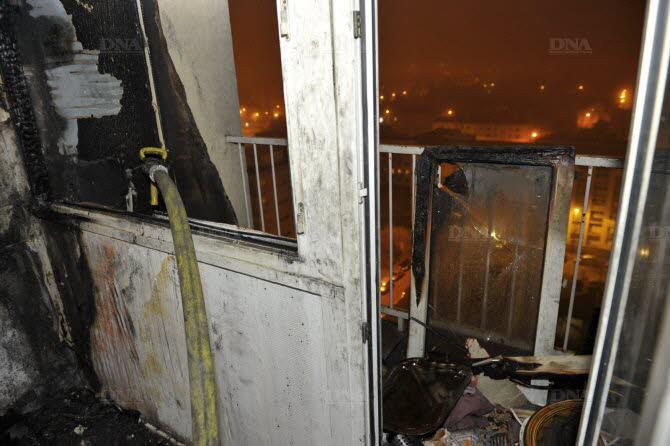 nuit-de-la-saint-sylvestre-incendie-cause-par-un-mortier-de-feux-d-artifice-qui-est-tombe-au-dernier-et-14-e-etage-d-un-immeuble-rue-victor-hugo-au-quartier-es-ecrivains-1483237450 (1)