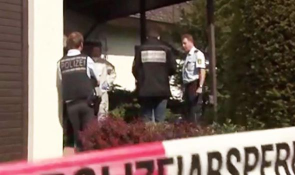 Police-investigate-the-murder-773832
