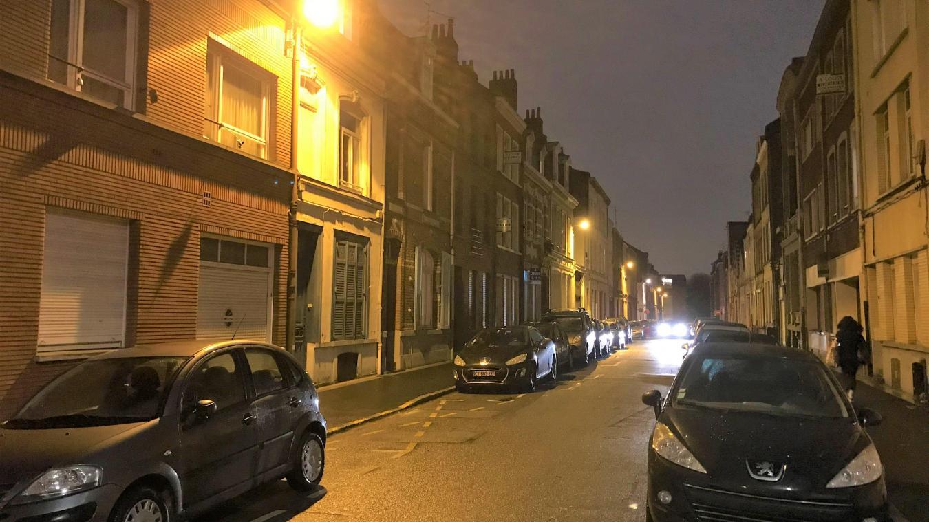 L'homme est suspecté d'avoir cambriolé le logement d'une étudiante, qui dormait dans sa chambre.