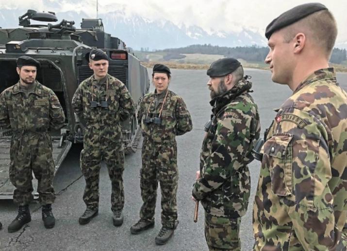 suisse   le citoyen-soldat fier de son arm u00e9e de milice