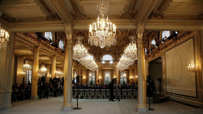 Palais de l\'Élysée : la salle des fêtes rénovée est dévoilée au public