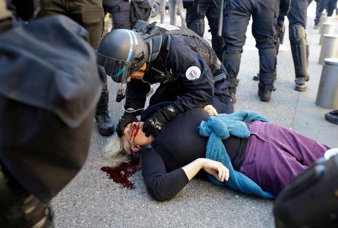 """Manifestante blessée à Nice : des ordres """"disproportionnés"""" pour l'officier de gendarmerie mobile sur place"""