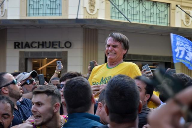 Brésil : l'ancien militant du parti de gauche qui a poignardé Bolsonaro, déclaré irresponsable par un juge fédéral