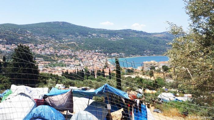 Grèce : à Samos, l'afflux massif de migrants fait fuir les touristes, de nombreux habitants craignent de devenir minoritaires sur leur île