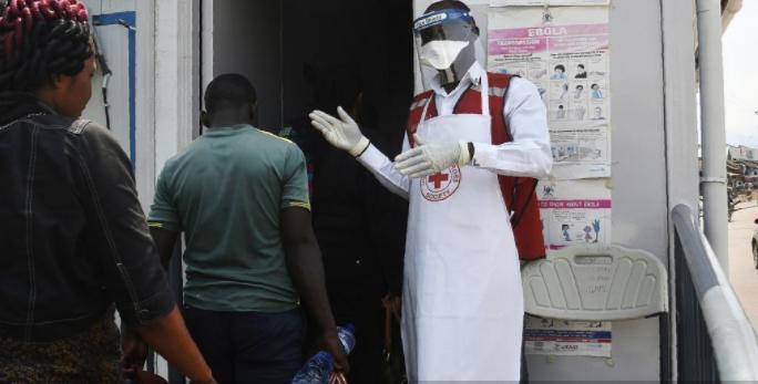 Ebola : l'Organisation mondiale de la santé ne déclare pas l'urgence mondiale