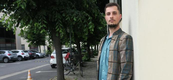Saint-Denis (93) : Baptiste, jeune professeur frappé et volé devant son établissement, s'apprête à jeter l'éponge