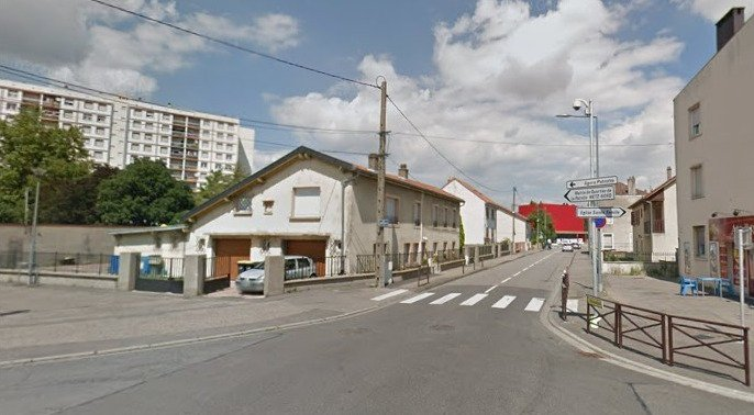 Metz (57) : Deux jeunes filles insultées et tabassées par trois individus de 18 ans car elles auraient refusé de boire un verre avec eux