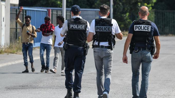Calais. Démantèlement d'un vaste réseau de passeurs qui « stockait » des migrants et qui avait généré 3,6 millions d'euros de chiffre d'affaires