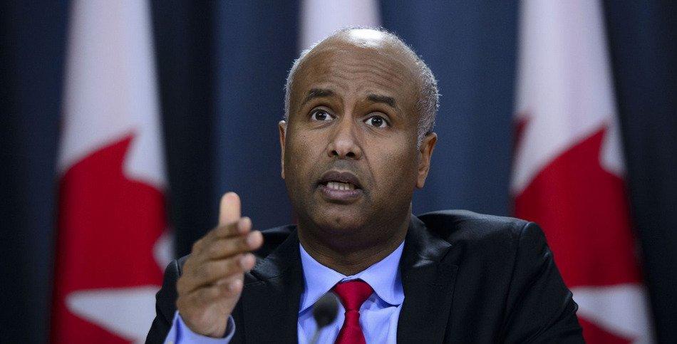 Canada : les résultats d'un sondage indiquant que 63 % des Canadiens veulent moins d'immigration inquiètent le ministre Hussen