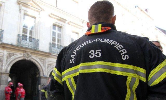 Combourg (35) : un pompier et deux gendarmes violemment agressés en pleine intervention par une bande de «jeunes»