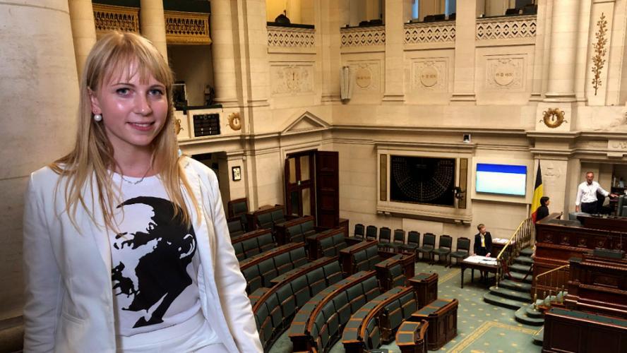 Belgique : des parlementaires marquent leur attachement à la démocratie en affichant leur hostilité au Vlaams Belang