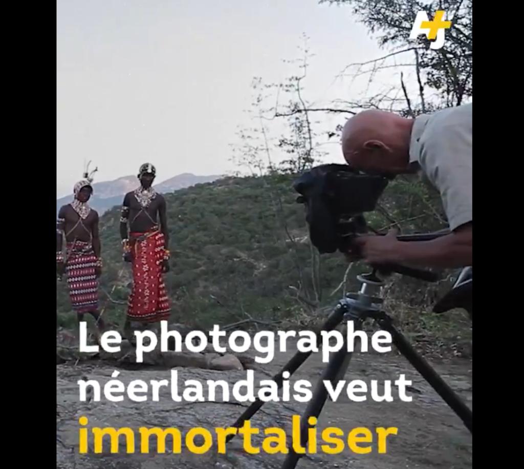 Il photographie les peuples autochtones depuis plus de 30 ans, on l'accuse aujourd'hui d'objectification et d'exotisation offensantes de l'autre