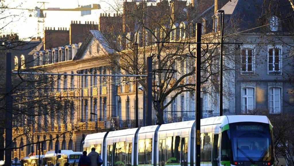 Nantes : Coups de feu dans le tram suite à la rencontre entre 2 bandes rivales (màj : Des «actes d'incivilité» pour Ouest France)