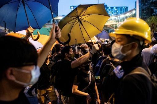 Hongkong : affrontements lors d'une manifestation contre les commerçants venus de Chine continentale