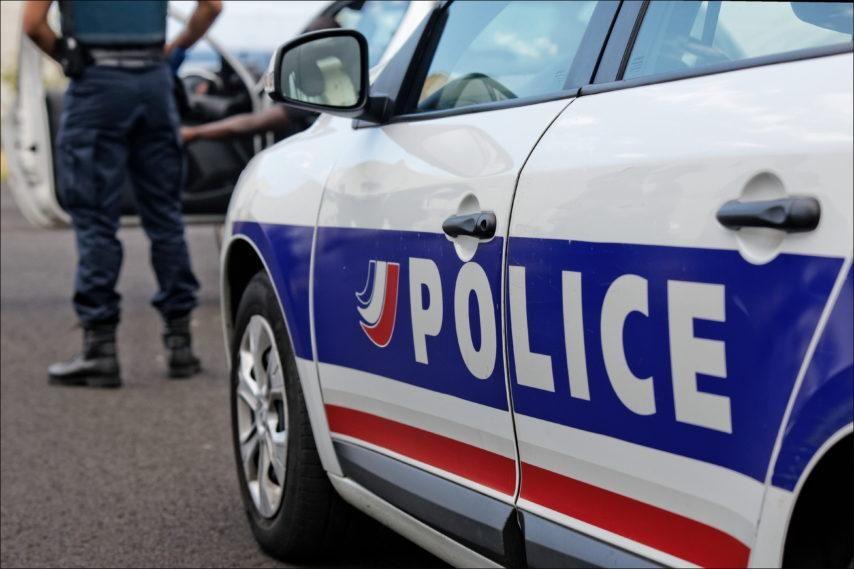 Yvelines : un policier traîné sur plusieurs mètres par le conducteur d'une voiture volée