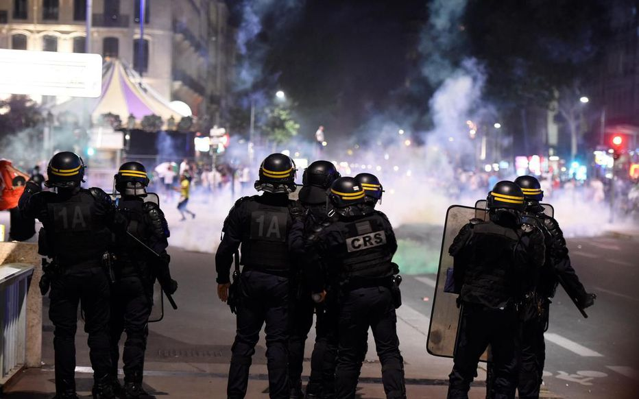 Lyon : un supporter algérien aurait perdu un œil  suite à un tir de LBD, le Procureur s'intéresse personnellement à son cas