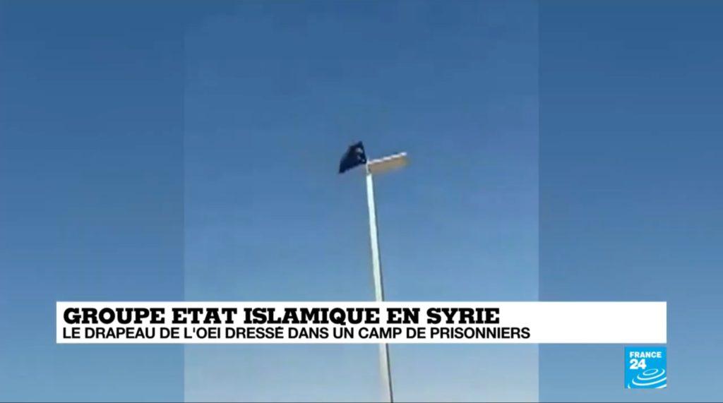 Syrie : Un drapeau de l'Etat Islamique hissé dans un camp de prisonniers pour femmes et enfants jihadistes