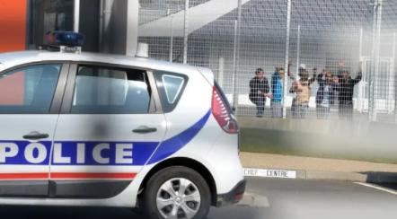 Toulon : un demandeur d' asile tente de s'immoler par le feu