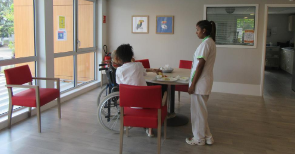 Guyancourt (78) : 2 employés de la clinique dépouillaient les résidents,18 mois de prison avec sursis