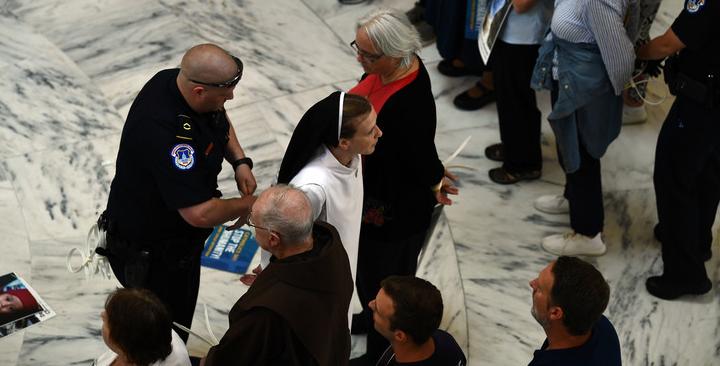 Washington : 20.000 catholiques manifestent en faveur des enfants de migrants, des religieux évacués du Sénat américain