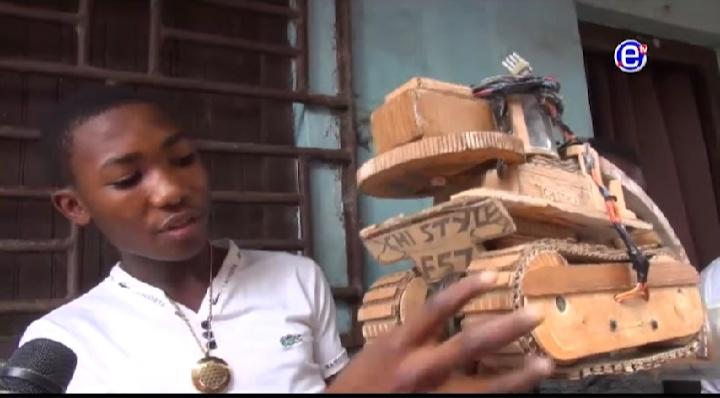 Cameroun : un réfugié, futur ingénieur, rêve de créer des véhicules 100 % camerounais, en travaillant chez les Blancs