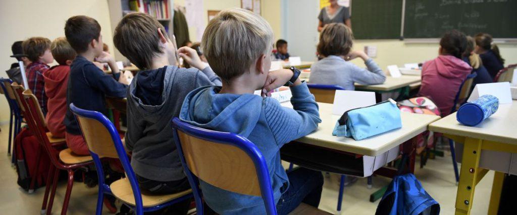 Occitanie : une association complotiste infiltrée dans des écoles