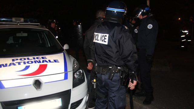 Le commissariat de Saint-Denis (Seine-Saint-Denis) attaqué dans la nuit de samedi 13 à dimanche 14 juillet 2019.