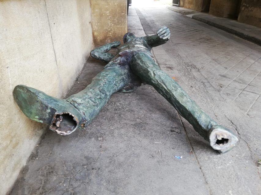 Evreux (27) : la statue du Général de Gaulle dessoudée