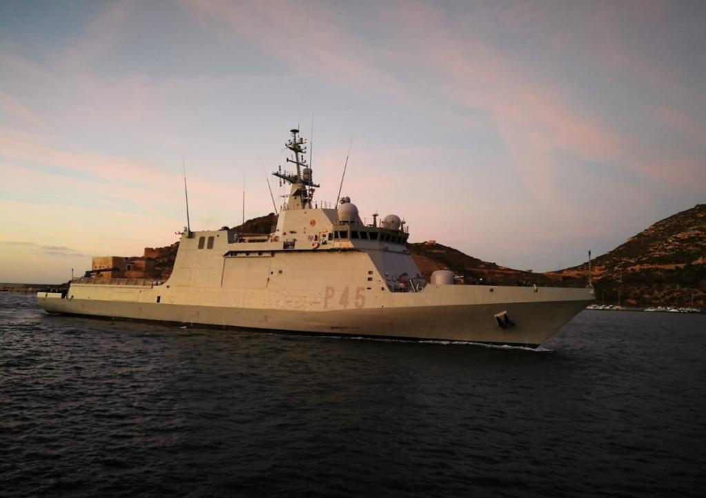 Lampedusa (Italie) : après avoir vertement critiqué Matteo Salvini, l'Espagne envoie un navire militaire de près de 100 mètres pour aller chercher 15 migrants