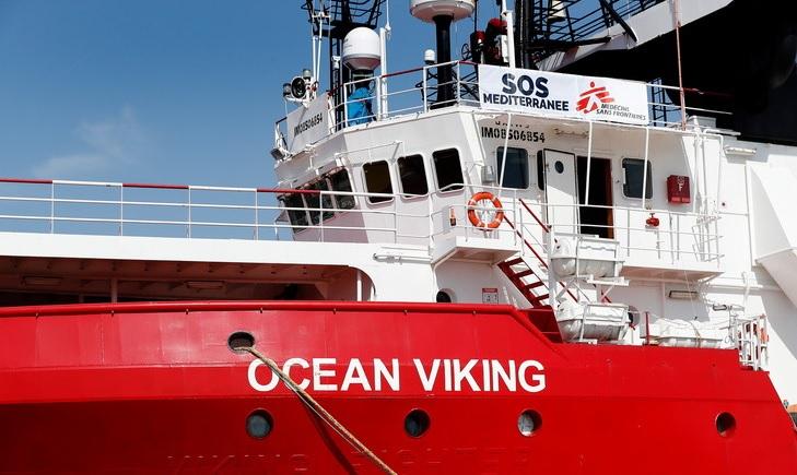 Méditerranée : l'Élysée prêt à accueillir une grande partie des 356 migrants secourus par l'Ocean Viking