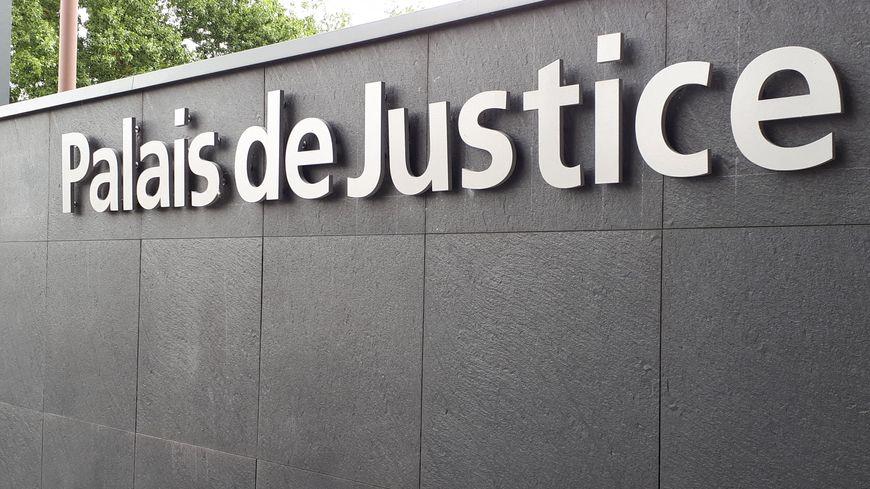 Nantes : condamné à huit mois de prison ferme pour avoir blessé un policier au visage, il ressort libre du tribunal