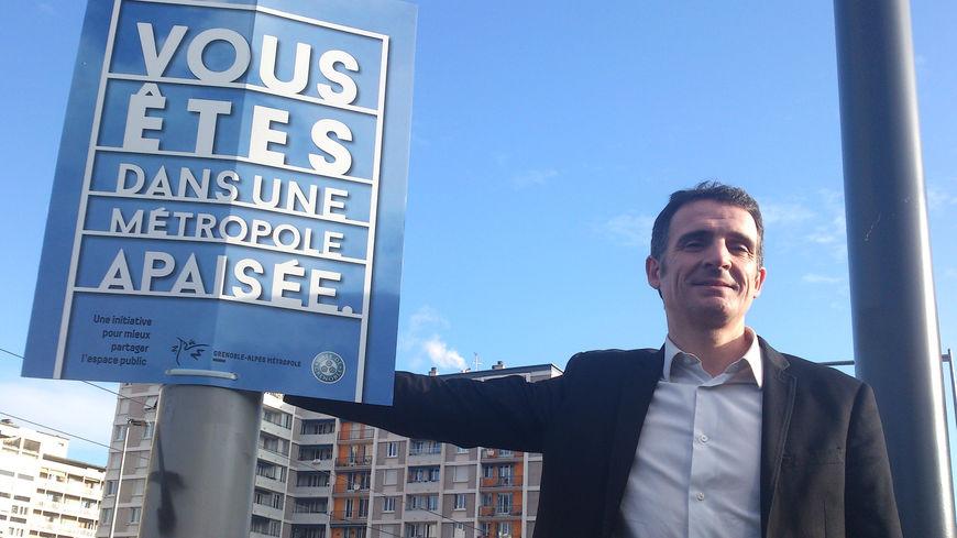 Grenoble : Un jeune homme dans un état désespéré après une agression gratuite au couteau (MàJ : décédé)