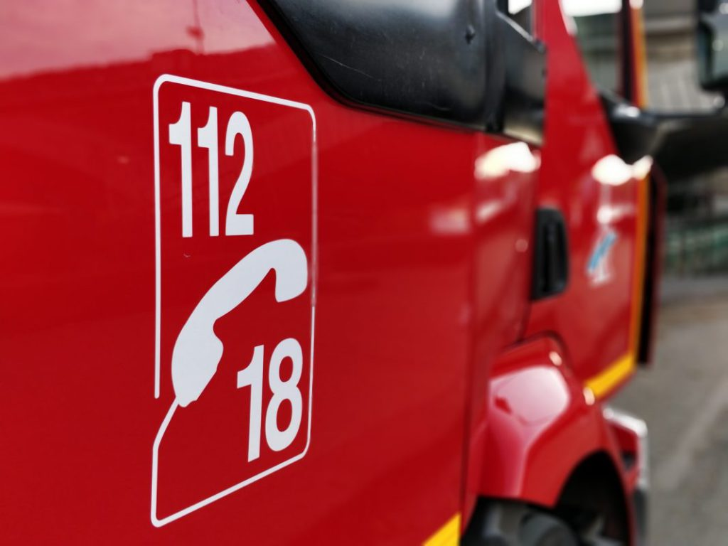 Mantes-la-Jolie (78): attaqués par une trentaine d'assaillants, les pompiers abandonnent leur matériel sur place