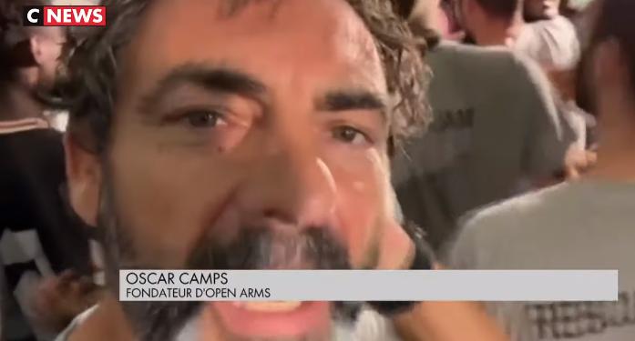 Oscar Camps (fondateur de l'ONG Open Arms) : «Ils ne sont pas heureux parce qu'ils vont débarquer. Mais parce que Salvini a échoué !»