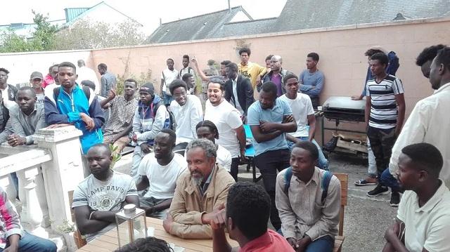 Sarthe (72) : des réfugiés au secours des arboriculteurs pour la cueillette des pommes