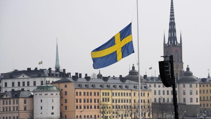 Viols, agressions : les ventes de bombes lacrymogènes s'envolent en Suède