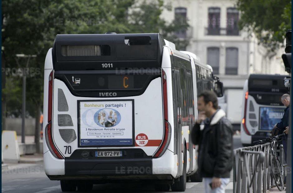 Vaulx-en-Velin (69). Un chauffeur de bus violemment agressé au marteau