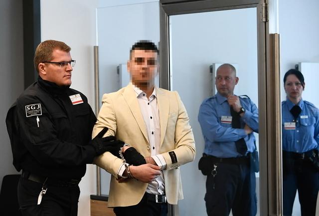 Chemnitz (Allemagne) : verdict dans le procès d'un migrant Syrien accusé d'avoir poignardé à mort un Allemand (Màj : condamné à 9 ans et demi de prison )