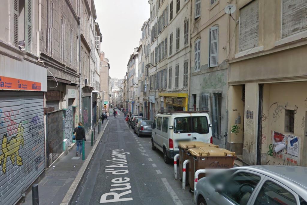 Marseille 1er : un adolescent de 14 ans poignarde un homme en plein cœur