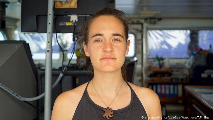 France : Carola Rackete invitée à l'Assemblée nationale par Aurélien Taché