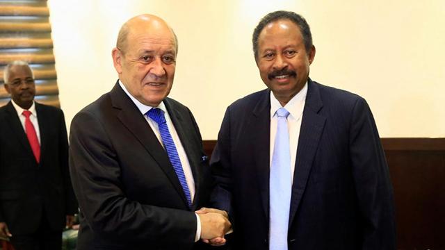 Soudan : en visite à Khartoum, Jean-Yves Le Drian promet une aide de 60 millions d'euros