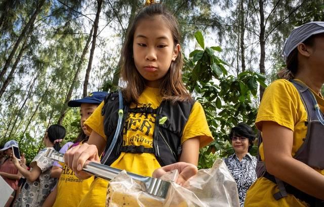 Thaïlande : Lilly, 12 ans, la Greta Thunberg de Bangkok, entre en guerre contre le plastique
