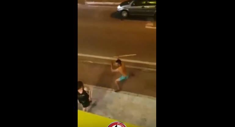 Italie : un Marocain tente d'étrangler une serveuse car la bière servie est trop froide