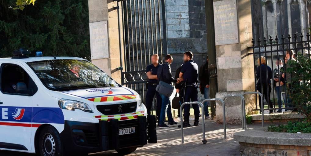 Rouen (76): un corps nu et atrocement mutilé découvert, un migrant ivoirien «connu pour des faits de violences» mis en examen et écroué (MàJ)