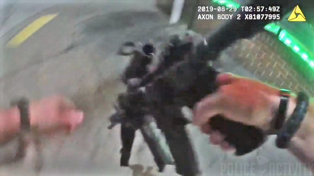 Baltimore (USA) : La Police publie la vidéo d'une poursuite et d'une impressionnante fusillade