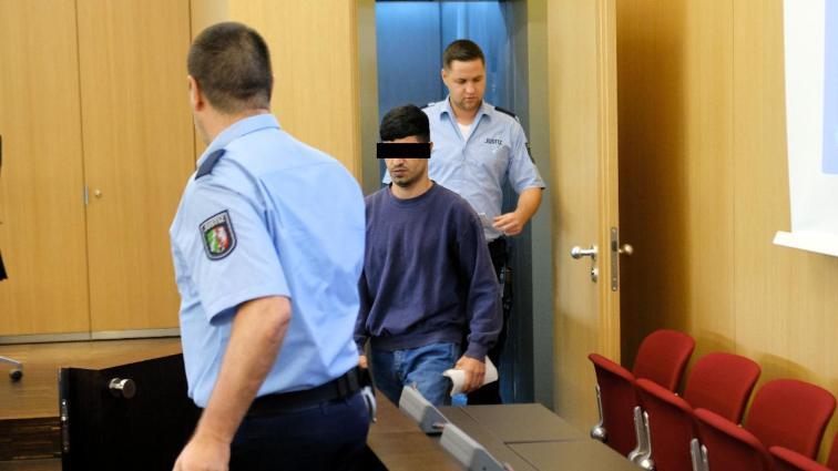 Düsseldorf (All.) : un réfugié irakien condamné à 18 mois de prison pour avoir poignardé à 3 reprises le client d'un restaurant, le blessant grièvement