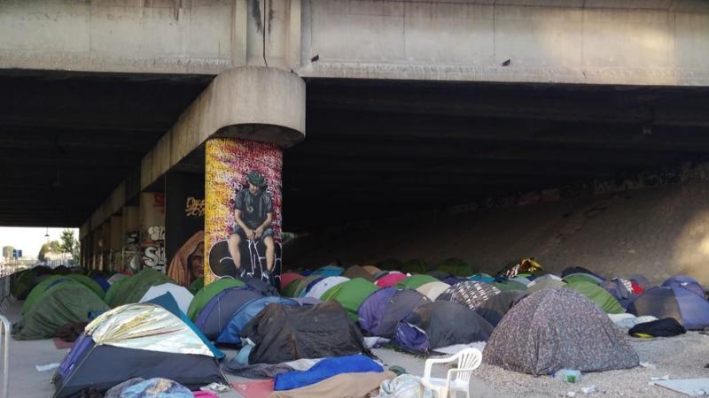 Des responsables d'associations  dénoncent le manque de moyens pour lutter contre la pauvreté et pour loger les sans-abris : jeunes, travailleurs pauvres, migrants