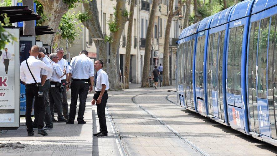 Montpellier : «Je vais te tuer, tu es le chien des Blancs !», un homme menace de poignarder des contrôleurs dans le dos