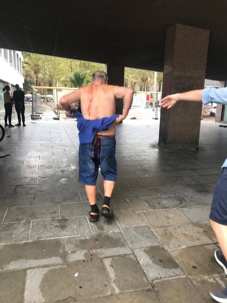 Apuñalado en el Raval de Barcelona por recriminar a un individuo que orinaba en la calle
